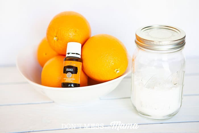 DIY arpet Freshener - deodorize and freshen carpets naturally with this simple recipe - DontMesswithMama.com