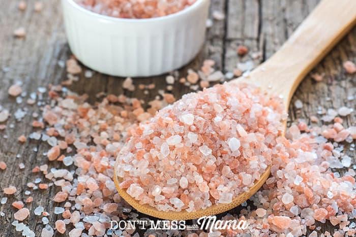 Closeup of Himalayan salt on a spoon