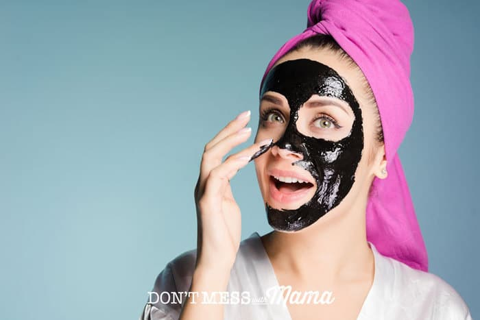 DIY Charcoal Peel-Off Mask - get rid of blackheads + impurities with this all-natural, homemade mask made with juts 4 ingredients - DontMesswithMama.com