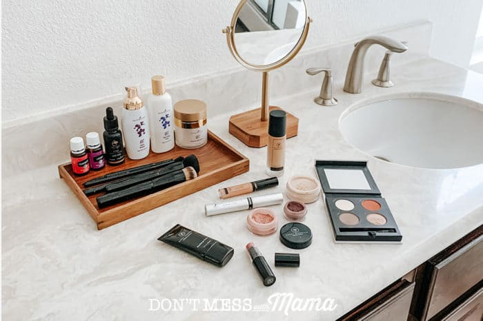 My Favorite Natural Clean Makeup - Don't Mess with Mama