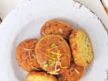 Gluten-Free Cheddar Biscuits - Don't Mess with Mama